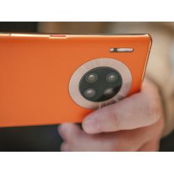 Huawei изготовила «жидкие» линзы для камер мобильных устройств.